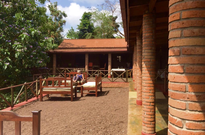 Terrasse draußen Ambureni Coffee Lodge