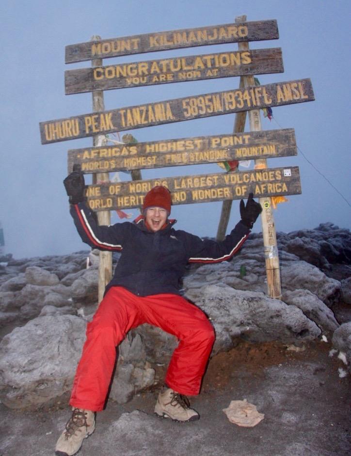 Gipfelschild des Uhuru Peaks, Gipfel des Kilimandscharos