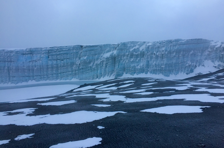 Gletscher auf dem Gipfel des Kilimandscharos