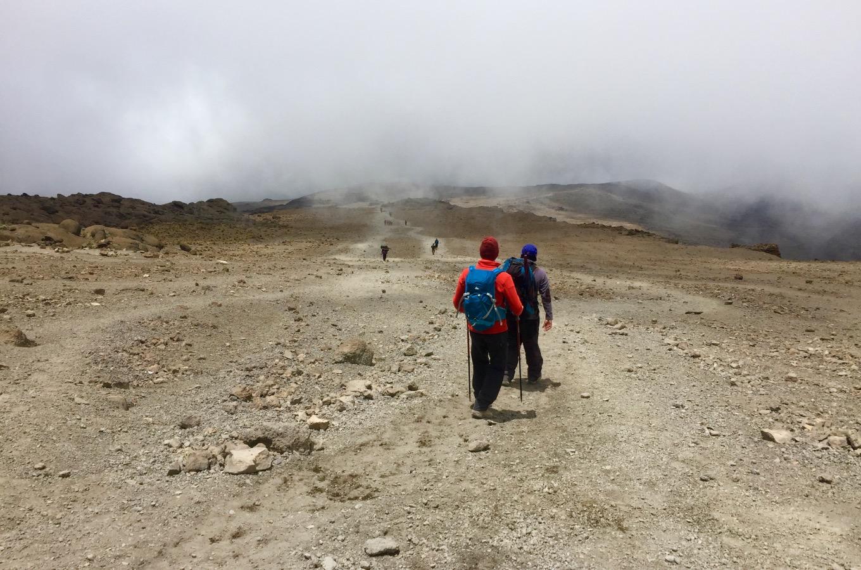 Wanderung vom Barafu Base Camp zum Mweka Camp