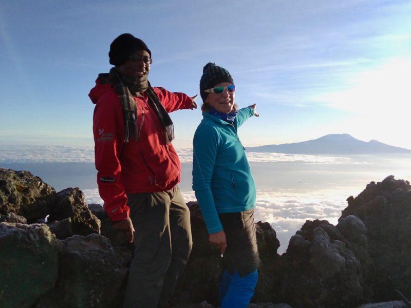 Erfolgreiche Besteigung des Mount Merus, den kleinen Bruder des Kilimandscharo