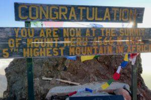 Socialist Peak, der Gipfel des Mount Meru in Tansania