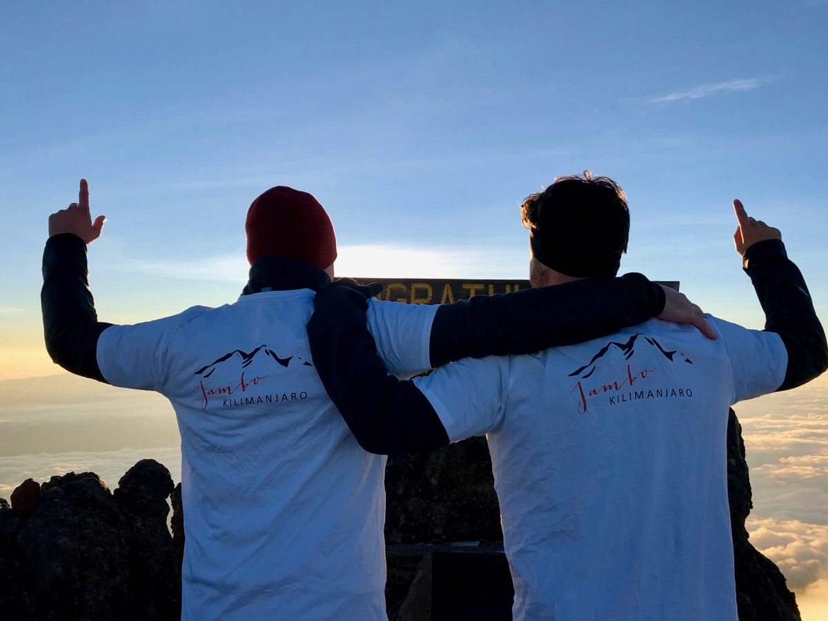 Alex et Timo au sommet du Mont Meru