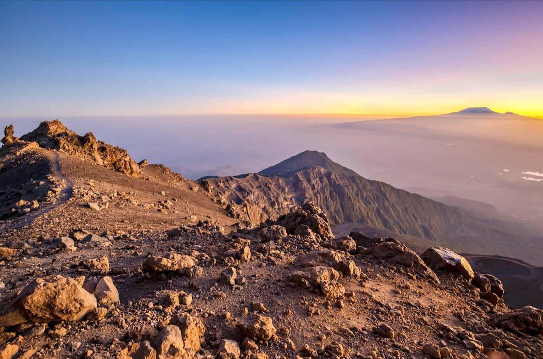 Sonnenaufgang am Mount Meru