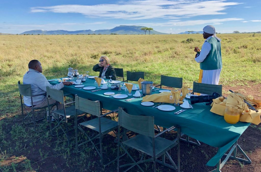 Breakfast in the middle of the Serengeti
