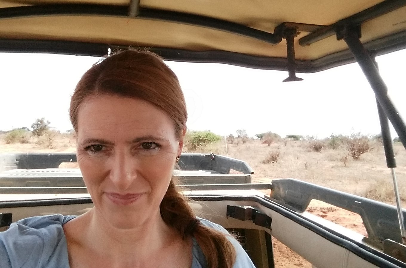 Ilona im Safari-Jeep