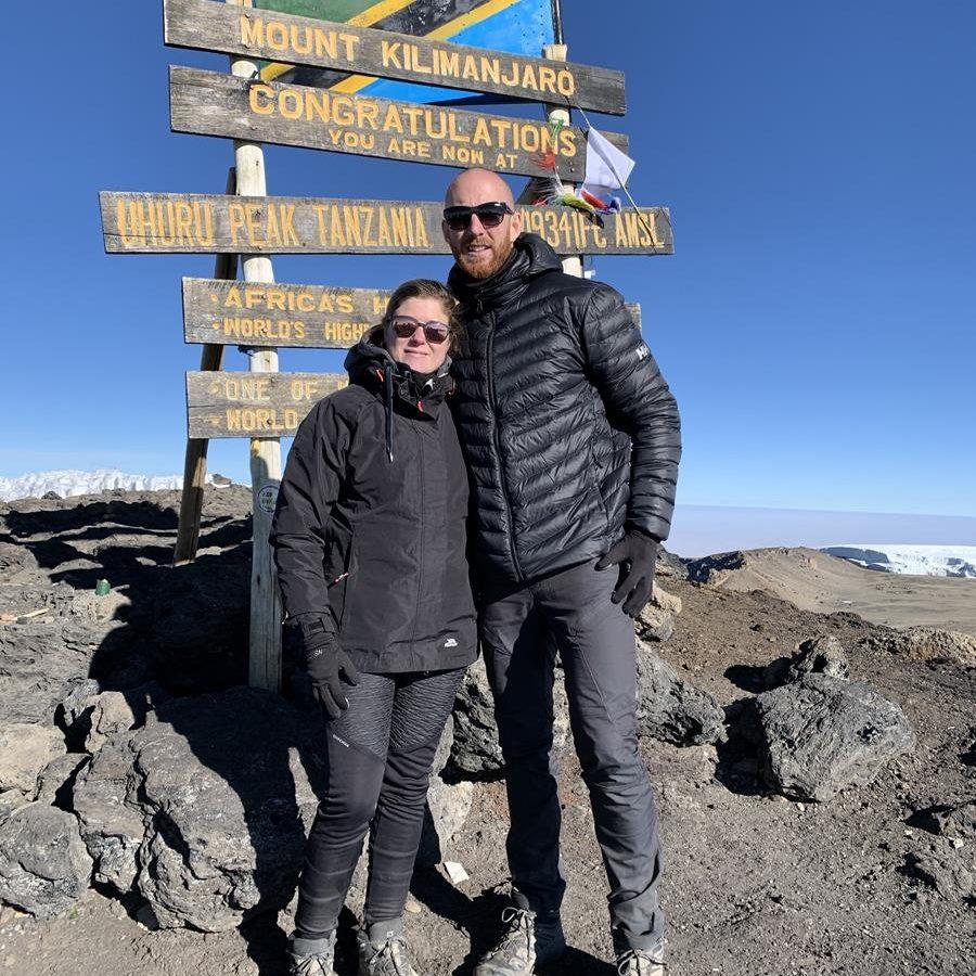 Alicia & Rémy Uhuru Peak